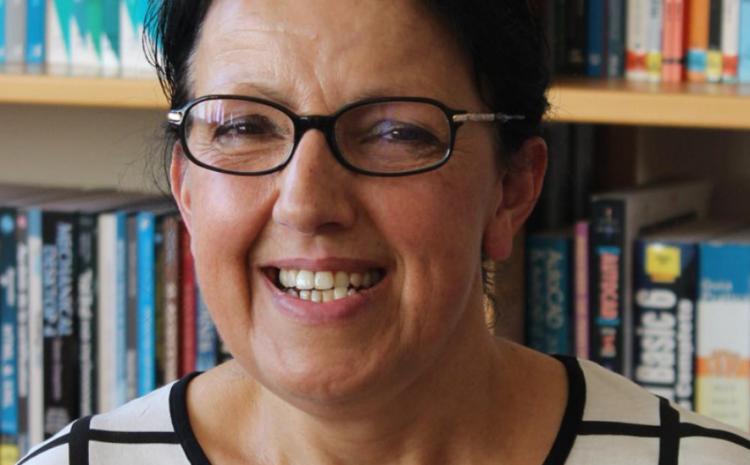 """Rosa Ferreira: """"Concluir o ensino secundário com o Centro Qualifica da AEPF fez toda a diferença"""""""